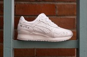 The Asics Gel Lyte III has sold out EVERYWHERE, don't sleep