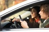 No textear mientras se conduce un vehículo.