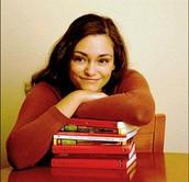 Biografía de Laura Gallego García.