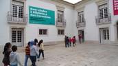 Leitura e pesquisa na Biblioteca Municipal dos Coruchéus