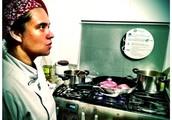 A chef Manu Zappa ensina receitas tradicionais, gostosas e fáceis de fazer