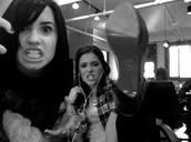 Demi and Ariana!!