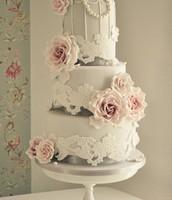 Lace-Birdcage Wedding Cake