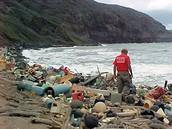 trash on Hawaii Beach