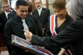 Entregada a Barak Obama por medio de nuestra presidenta