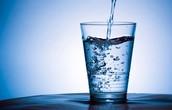 Debes bebo el agua