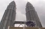 Yo soy de malasia. Yo vivo en malasia y vivi en malasia.