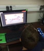 התלמידים יוצרים בWORDLE  ו TAGXDO