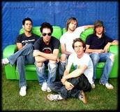"Maroon 5, Formerly known as ""Kara's Flowers"""