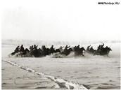 Советская кавалерия в наступлении. Бойцы 1-го гвардейского кавалерийского корпуса генерал-майора П.А. Белова идут в атаку