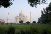 This the Taj Mahal from a different position.