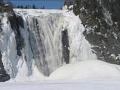 La chute est gelée!