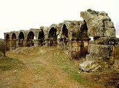 Picture of aqueduct at Antioch - from http://www.welcometohosanna.com/PAULS_MISSIONARY_JOURNEYS/1mission_4.html