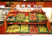 Fui al supermercado y compre las frutas.