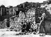 חיילים ירדנים תוקפים את ישיבת פורת יוסף ברובע היהודי