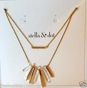 Rebel Cluster Necklace Gold