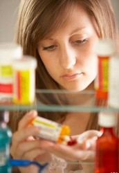 ماذا ينبغي أن تعلم حول سوء استخدام الأدوية من قبل المراهقين
