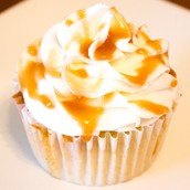 Vanilla Cupcake with Caramel Frosting