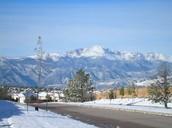 Colorado Springs- Snowing