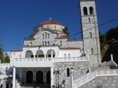 There are many churches in Ilioupolis.