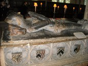 Knight's Grave Sight