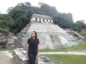 Nathália no Chichen Itza, México