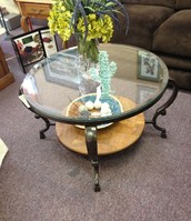 Pretty round glass coffee table