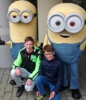 Met mijn broertje!!!