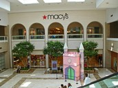 The Woodfield Mall store