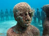 National Geogrphic Underwater Statues