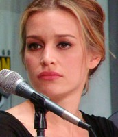 Piper Lisa Perabo