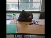 No debes dormir en clase