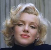 """Queenie"" shown as Marilyn Monroe"