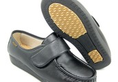 Take into account Superior Possibly not Price tag When Choosing Very best Medical Shoes