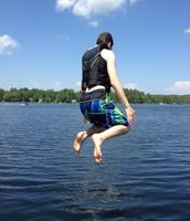 nade en el lago