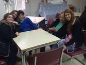 כיתה י'1 מתנדבת בבית יום לקשיש
