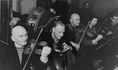 תזמורת גטו קובנה - מתוך ארכיון המשטרה היהודית בקובנה .