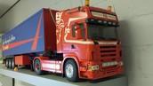 Uw vrachtwagen realistisch nagebouwd en bestuurbaar!