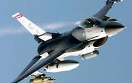 F-16 in mid flight