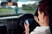 الرسائل و الاتصالات الهاتفية تزيد من مخاطر حوادث السير