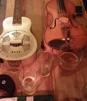 Fiddle, Guitar, Ukulele