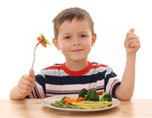 Mange des légumes!