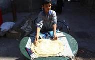 Syrian Boy Makes Bread