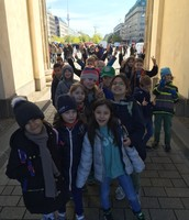 2b at the Brandenburg Gate