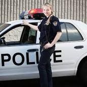 La Mujer Policia