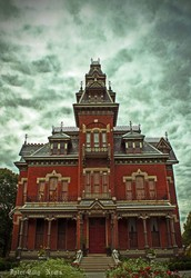 What would I see or experience if I decided to visit the Vaile Mansion?