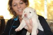 Mieke met een Griekse pup