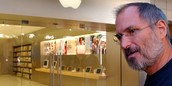 Steve Jobs at an Apple Store