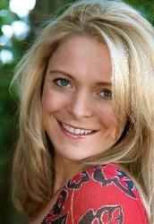 Holly Hanzel, Beautycounter