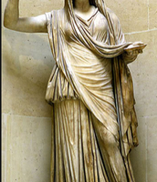 A statue of Hera